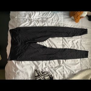 Size 6 lulu lemon leggings
